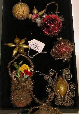 ***GROUP OF WIRE WRAPPED ORNAMENTS| Nest with two