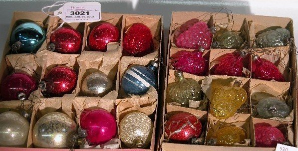 3021: ***TWO GROUPS OF CHRISTMAS ORNAMENTS|  CONDITION: