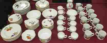 *85 PC SET ROYAL WORCESTER DINNERWARE