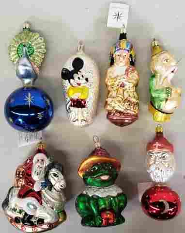 *7 CONTEMPORARY CHRISTMAS ORNAMENTS