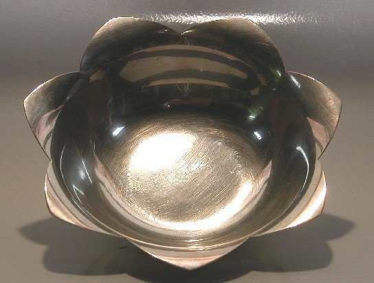 5002: TIFFANY & CO. STERLING SILVER BOWL| Impressed Tif