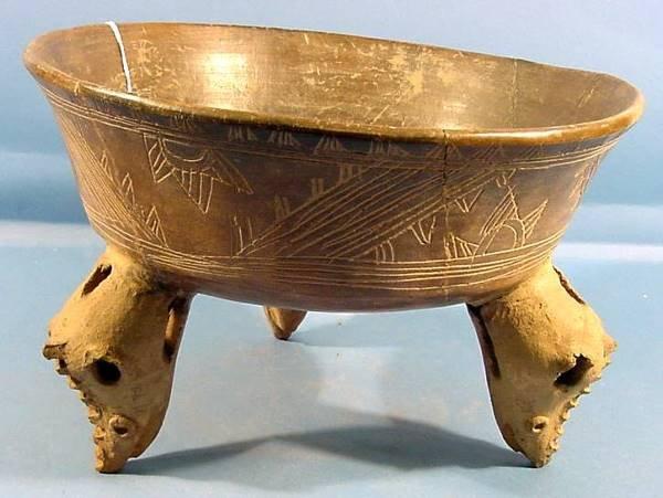 3033: COSTA RICAN PRE-COLUMBIAN POTTERY| Tripod bowl wi
