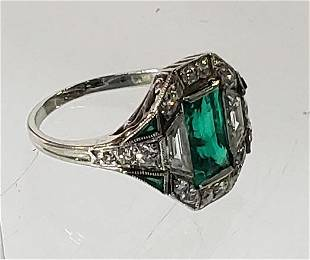 LADIES DIAMOND & EMERALD RING