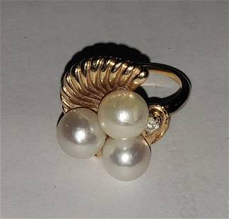 LADY'S 14K GOLD PEARL RING