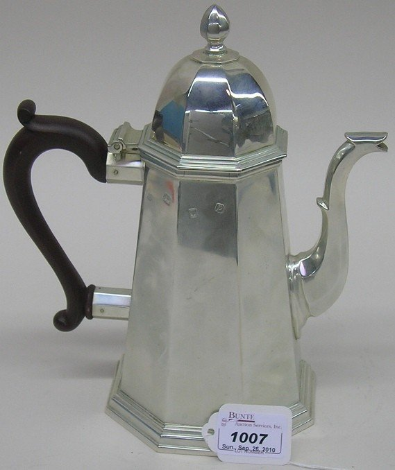 1007: ***ENGLISH STERLING SILVER COFFEE POT