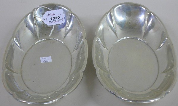1020: ***PAIR OF GORHAM STERLING SILVER CELERY DISHES