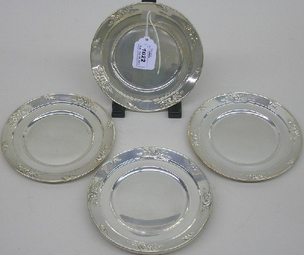 1022: ***SET OF EIGHT WHITING STERLING SILVER DESSERT P