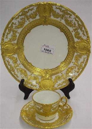 1065: ***THIRTY-THREE PIECES OF ROYAL CROWN DERBY CHINA
