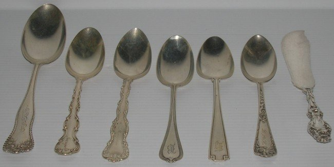 1023: ***THIRTY-TWO PIECES OF STERLING SILVER FLATWARE