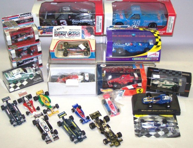 1020: ***THREE GROUPS DIE CAST AND PLASTIC CARS