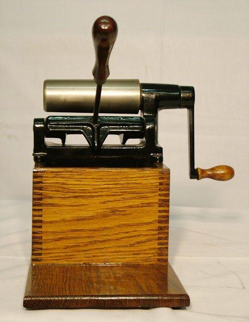 2054: EDISON HOME CYLINDER RECORD SHAVER  Use for shavi - 2