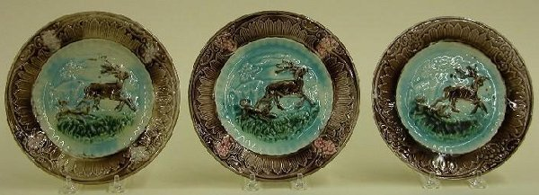 1014: SET OF THREE MAJOLICA PLATES  Stag and