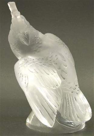 "LALIQUE ART BIRD FIGURINE ""Ara"" patter"