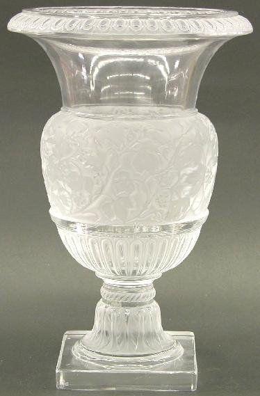 "LALIQUE ART GLASS URN ""Versailles"" pat"