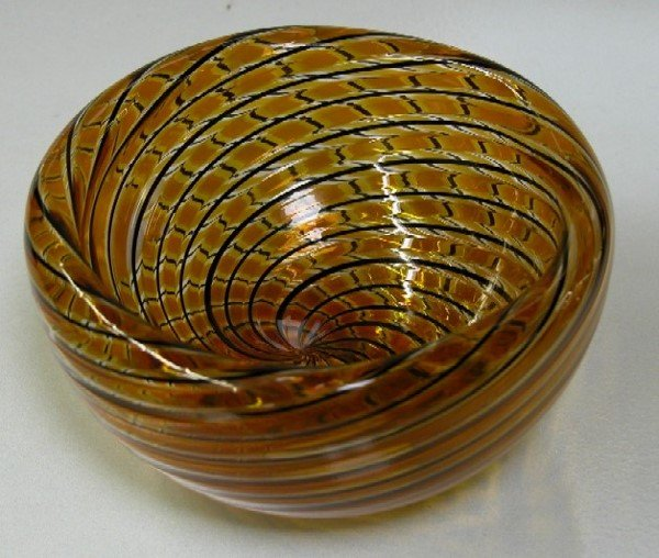 3007: ZENNARO, ORLANDO Art glass bowl with swirl desig
