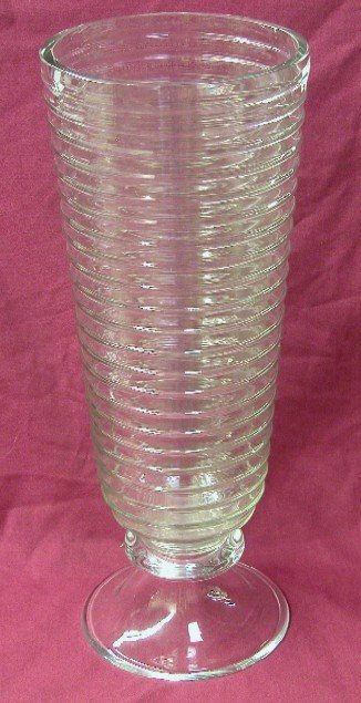 3015: LARGE CRYSTAL GLASS FLOWER VASE With ribbed desi
