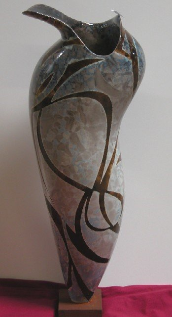 3020: TAMANIAM, PAUL Art pottery vase/sculpture, organ