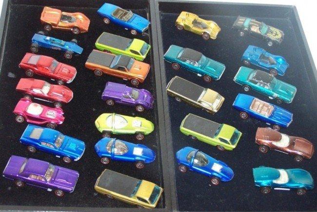 3004: THREE GROUPS OF REDLINE HOTWHEELS CARS