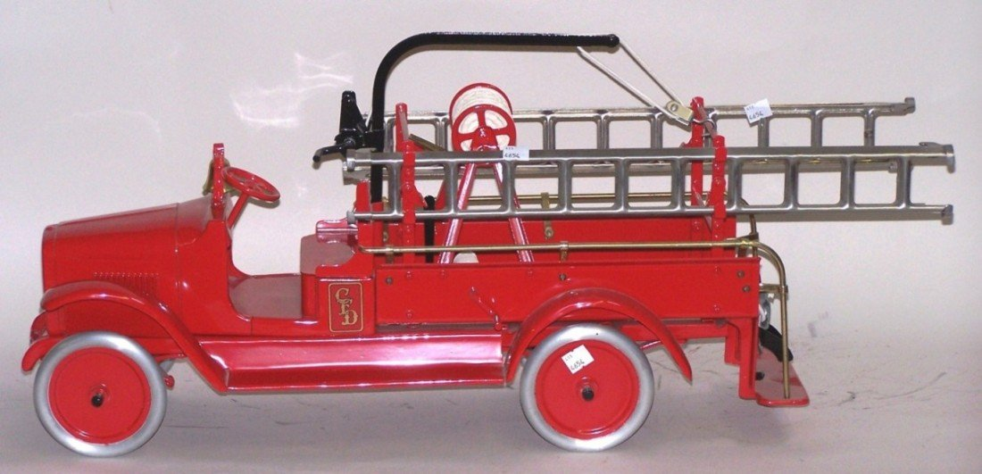3021: ***BUDDY L HOOK AND LADDER TRUCK