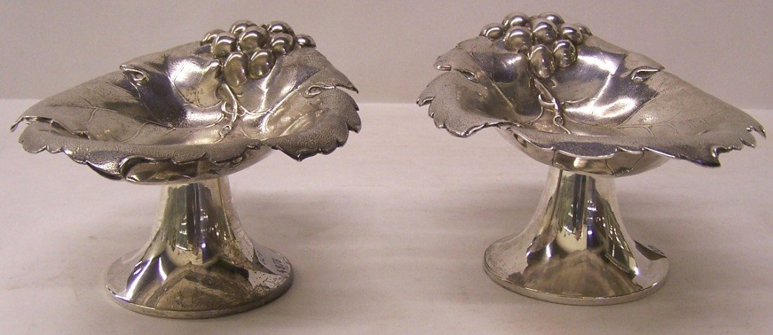 1006: PAIR OF AMERICAN STERLING SILVER COMPOTES| Grape