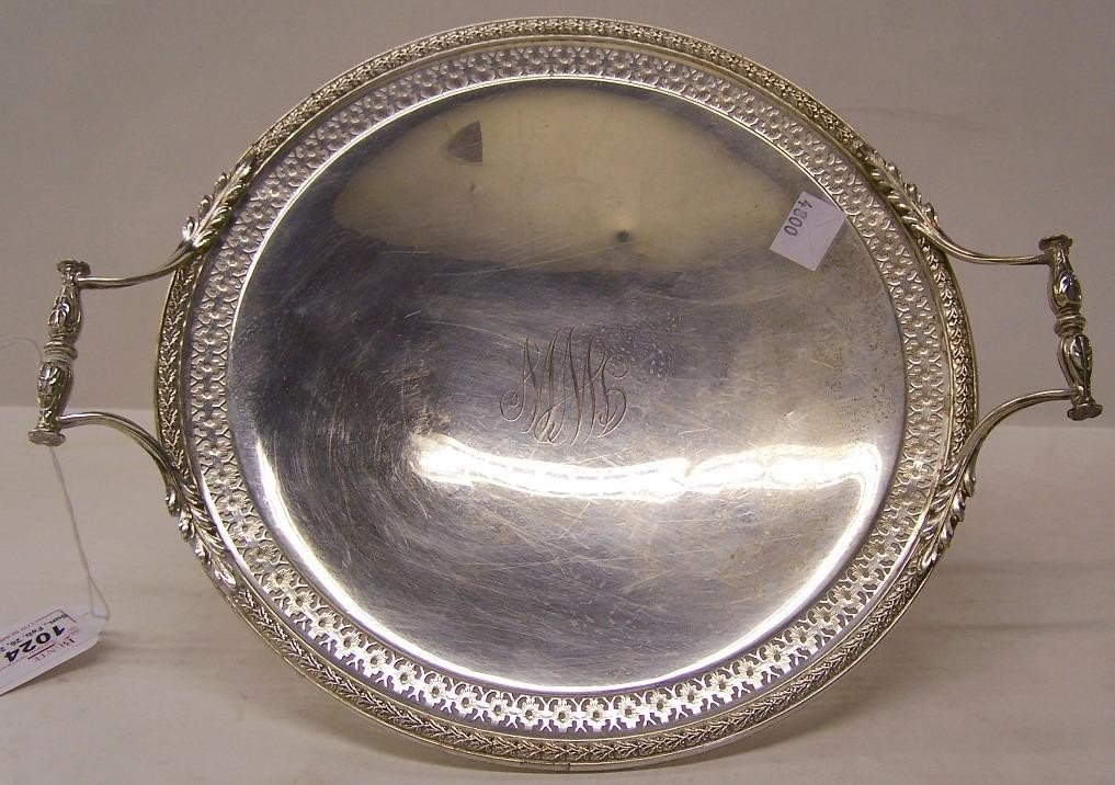 1024: ***AMERICAN STERLING SILVER TWO-HANDLED TRAY| Ret