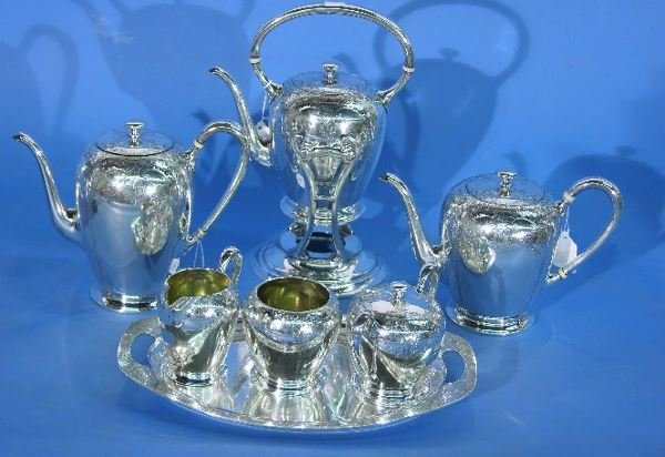 1013: SEVEN PIECE INTERNATIONAL STERLING SILVER COFFEE