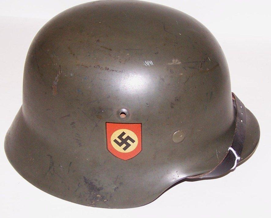 3126: ***SCARCE GERMAN POLICE HELMET MODEL 1935