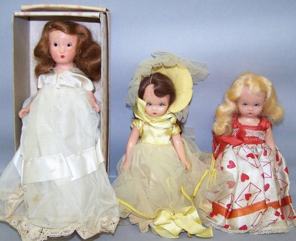 2050: THREE DOLLS