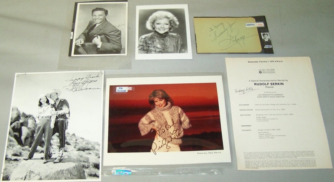 1010: ***SIX AUTOGRAPHED PHOTOS AND CARDS