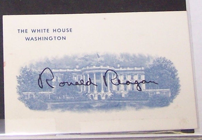 1018: ***AUTOGRAPHED WHITE HOUSE CARD