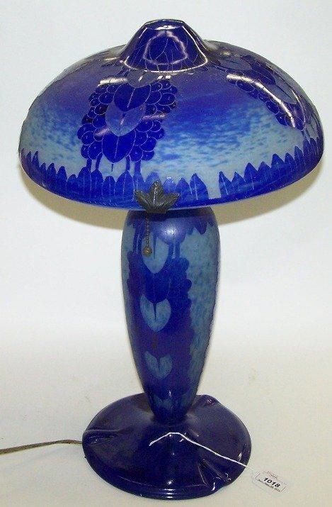 1018: LA VERRE FRANCAIS CHARDER ART GLASS LAMP