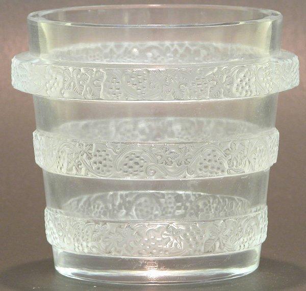 """1002: ***LALIQUE ART GLASS VASE """"Ricquewihr"""""""