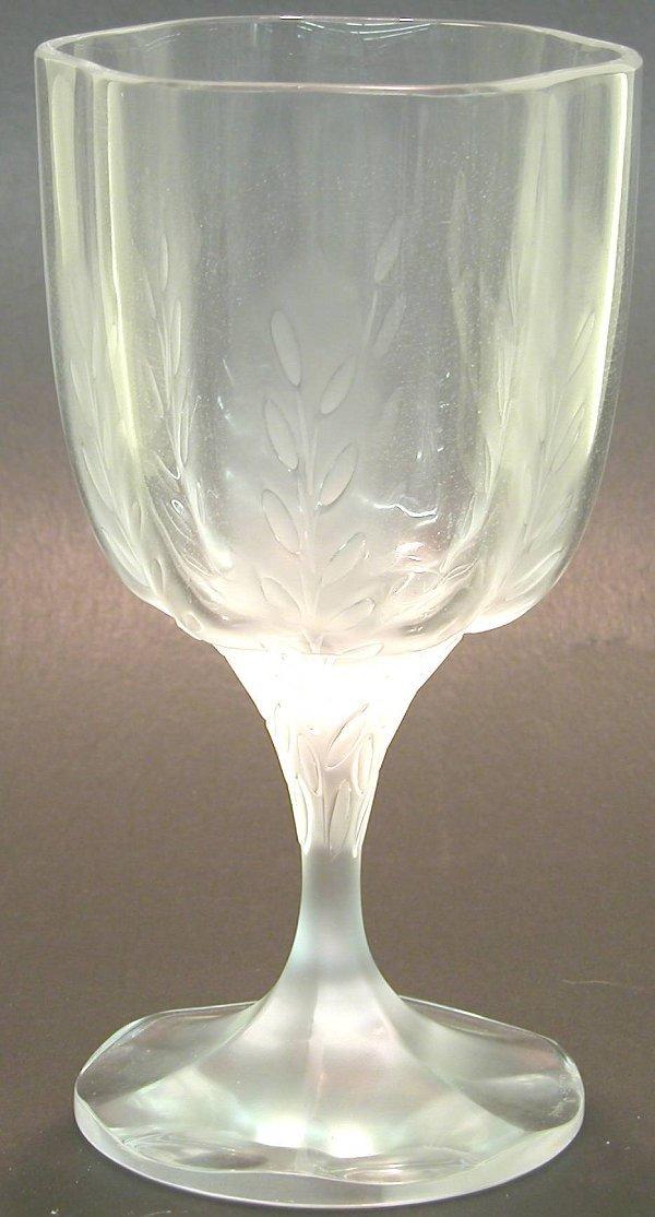 """1005: ***LALIQUE ART GLASS VASE """"Lelia"""" patte"""
