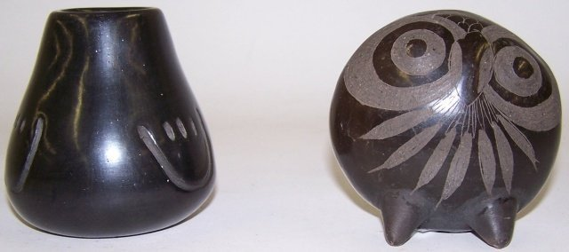 *2 PIECES OF BLACK ON BLACK POTTERY