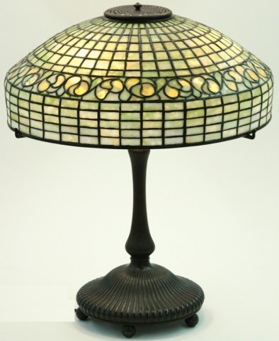 *TIFFANY STUDIOS LEMON LEAF TABLE LAMP