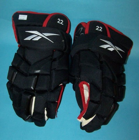 *TROY BROUWER AUTOGRAPHED ICE HOCKEY GLOVES