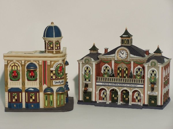 """2045: """"TWO PIECES OF DEPARTMENT 56  The Herit"""