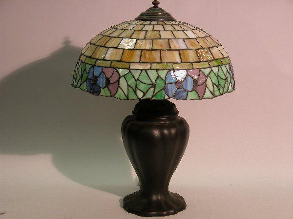 ART NOUVEAU LEADED GLASS TABLE LAMP