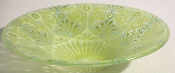 1002: HIGGINS ART GLASS BOWL  With controlled bubbles (
