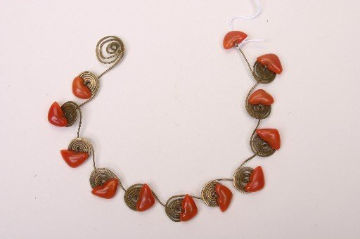 1188: ATTRIBUTED TO HIGGINS ART GLASS NECKLACE  Length