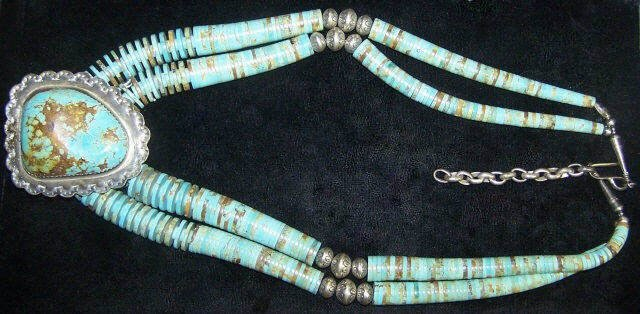 *SOUTHWEST SILVER AND TURQUOISE NECKLACE