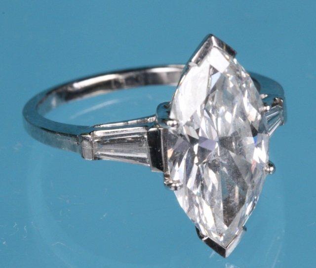 *DIAMOND SOLITAIRE RING