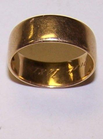 *18K YELLOW GOLD WEDDING BAND