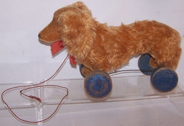 *STEIFF PULL TOY ON WHEELS - 2