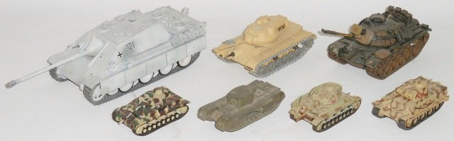 *GROUP OF DIECAST MILITARY TANK MODELS