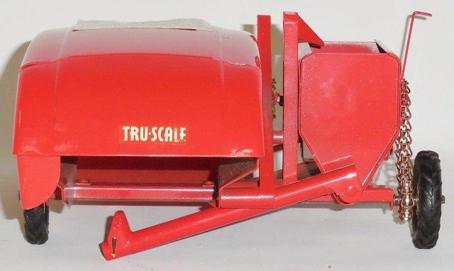 *TRU-SCALE #C-406 TOY COMBINE - 4