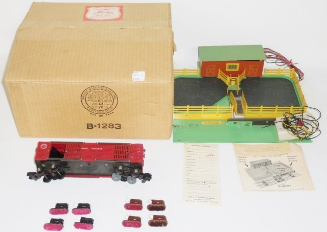 *AMERICAN FLYER #771 OPERATING STOCK YARD AND CAR
