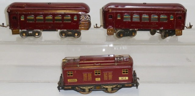 *LIONEL STANDARD GAUGE TRAIN SET - 2