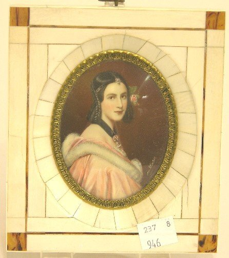 2006: ***CONTINENTAL OVAL MINIATURE PORTRAIT ON IVORY