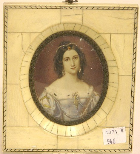 2007: ***CONTINENTAL OVAL MINIATURE PORTRAIT ON IVORY